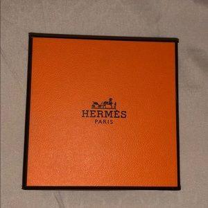 Hermès large bangle box. Perfect condition